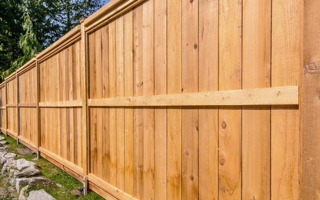 clôture-bois-extérieur
